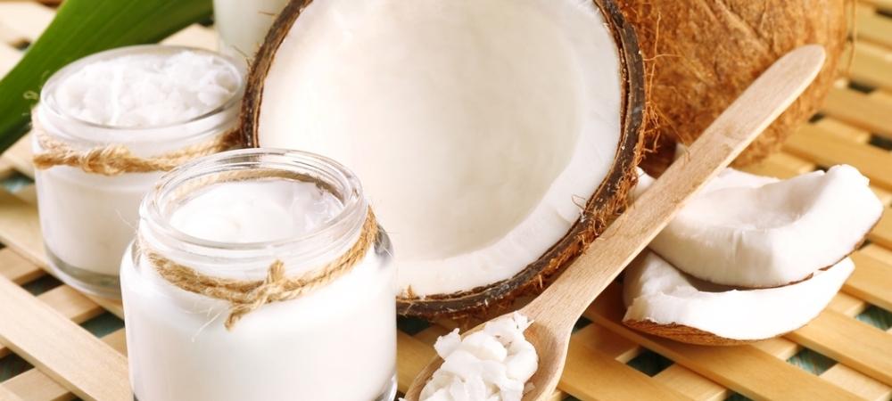 coraz częściej sięgamy po organiczny olej kokosowy